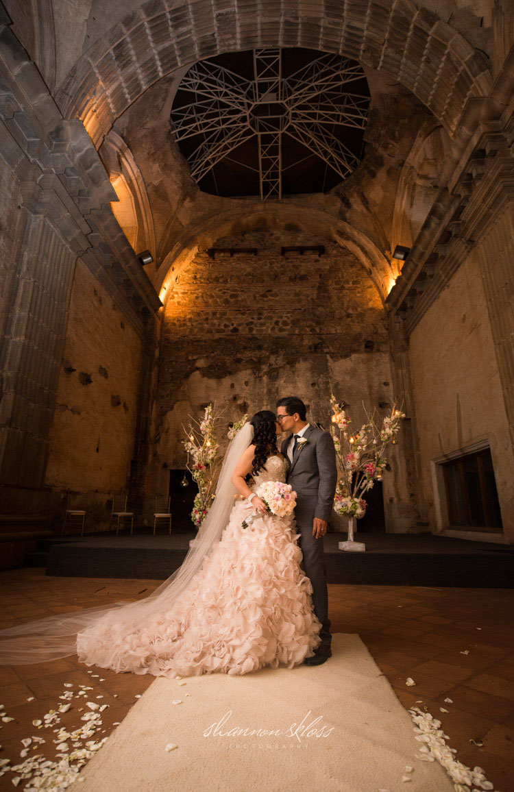 wedding antigua guatemala shannon skloss photography-42 copy