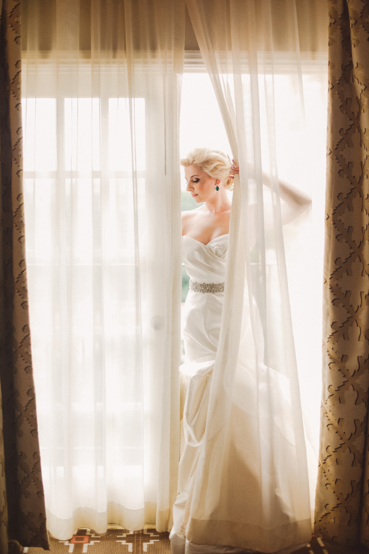 lexi-mansion-turtle-bridal-photo-shannon-skloss-20