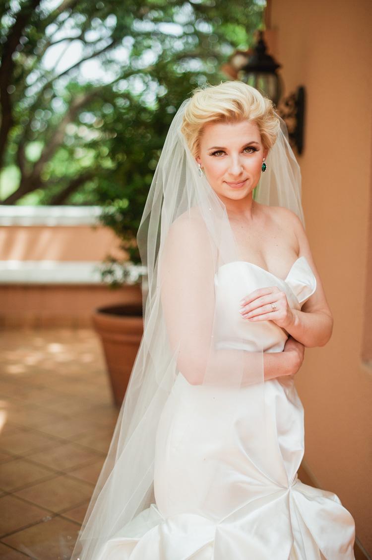 lexi-mansion-turtle-bridal-photo-shannon-skloss-6