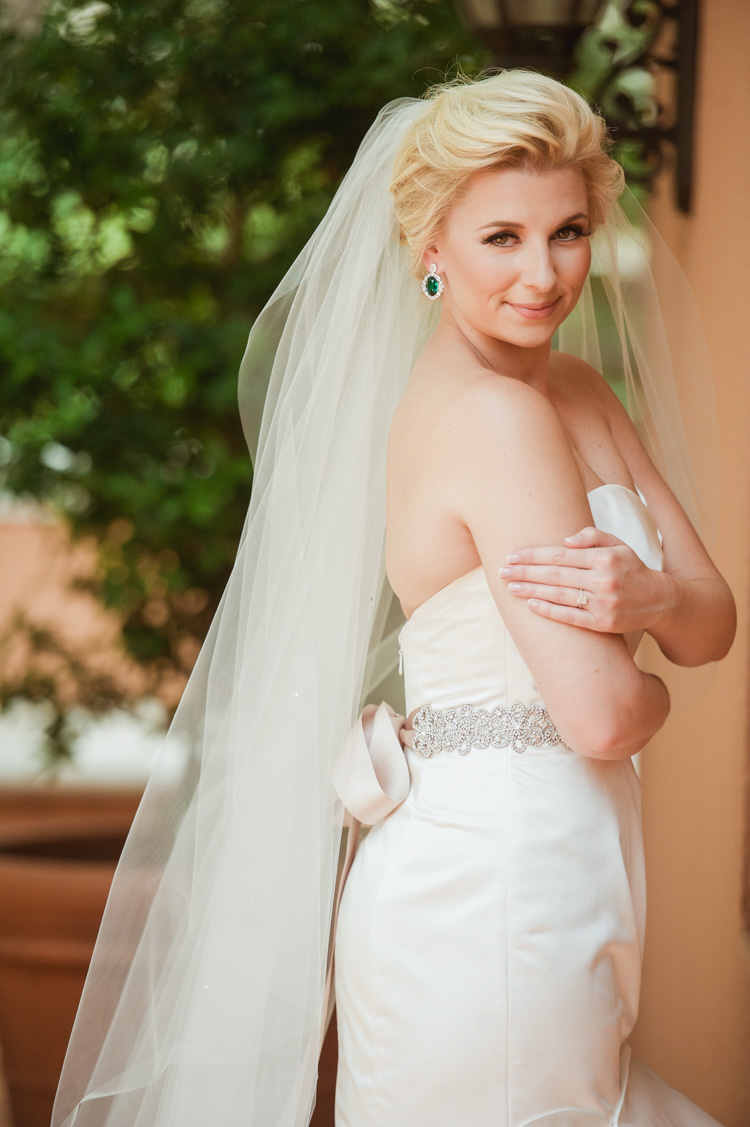lexi-mansion-turtle-bridal-photo-shannon-skloss-7