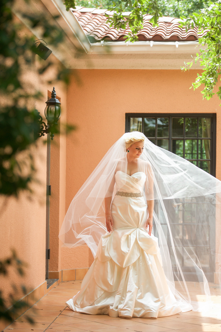 lexi-mansion-turtle-bridal-photo-shannon-skloss-8