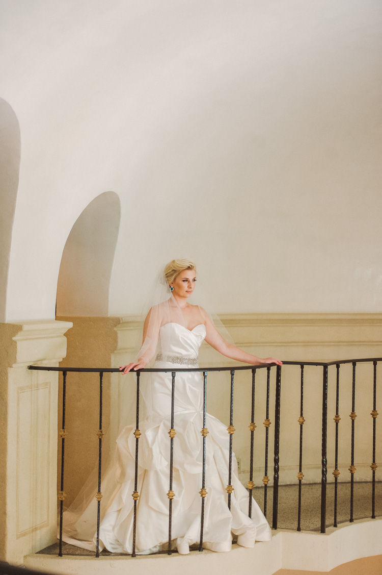 lexi-mansion-turtle-bridal-photo-shannon-skloss-9