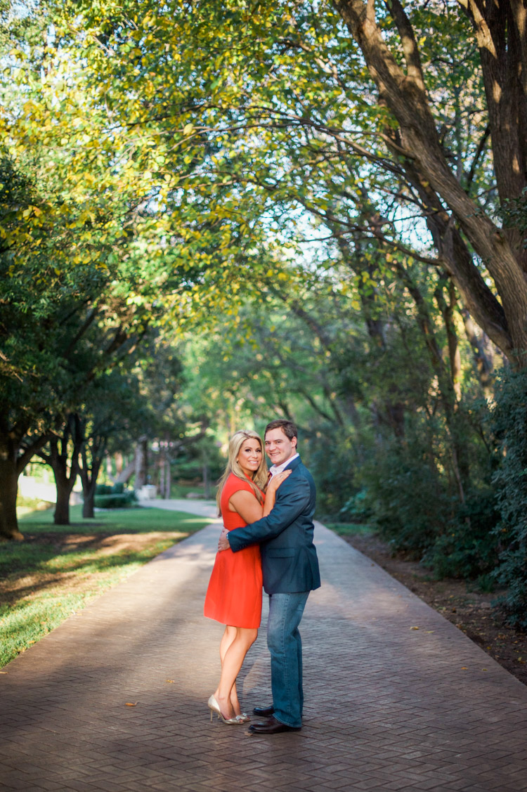 chelsie-cory-dallas-engagement-session-shannon-skloss-photography-1
