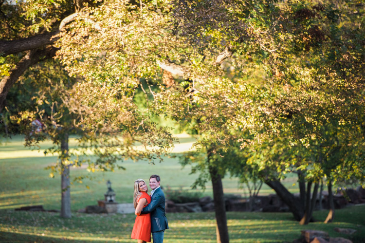 chelsie-cory-dallas-engagement-session-shannon-skloss-photography-7