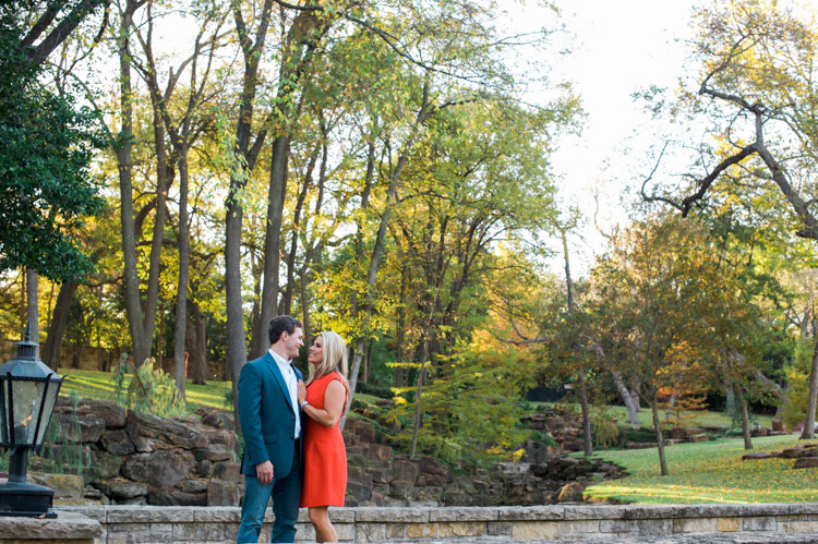 chelsie-cory-dallas-engagement-session-shannon-skloss-photography-8