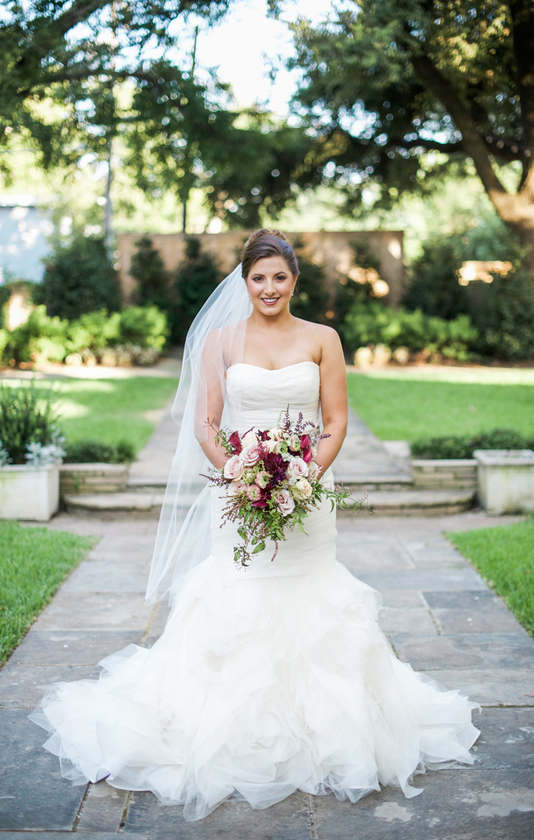 dallas-wedding-photographer-shannon-skloss-aldredge-house-bridal-portrait-1