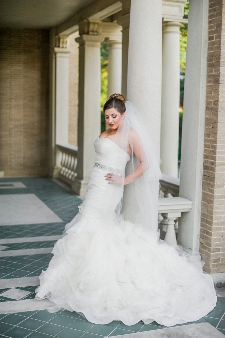 dallas-wedding-photographer-shannon-skloss-aldredge-house-bridal-portrait-9