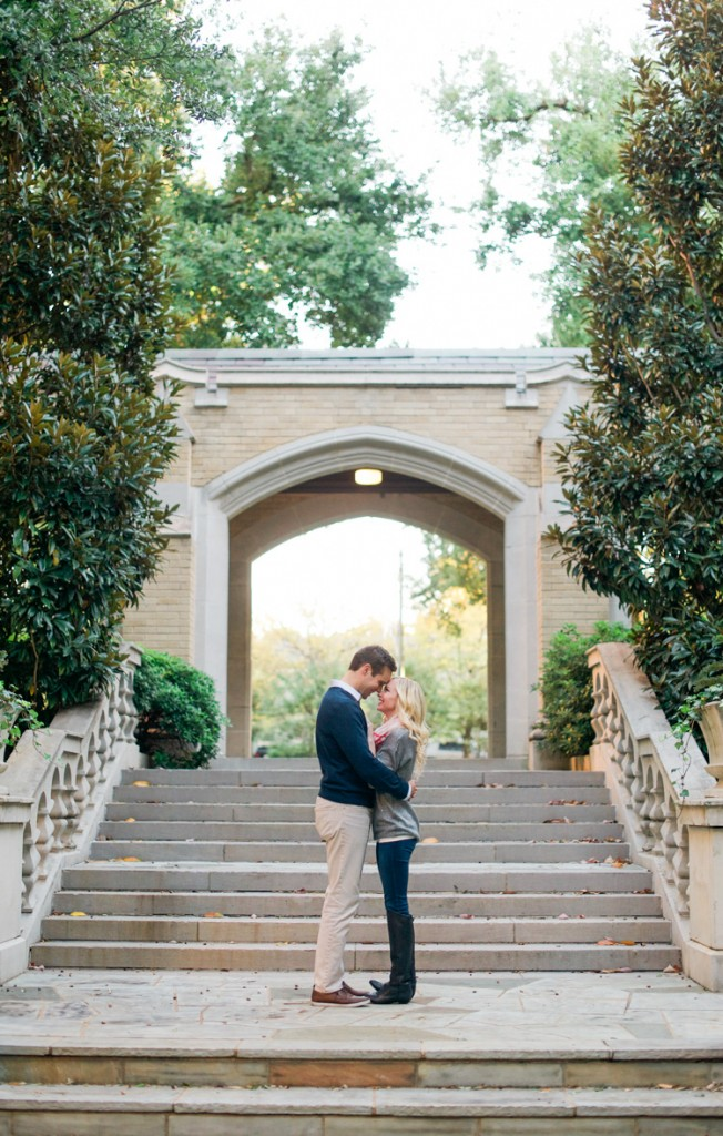 katie-greg-hpumc-highland-park-methodist-church-engagement-session-shannon-skloss-photography-13
