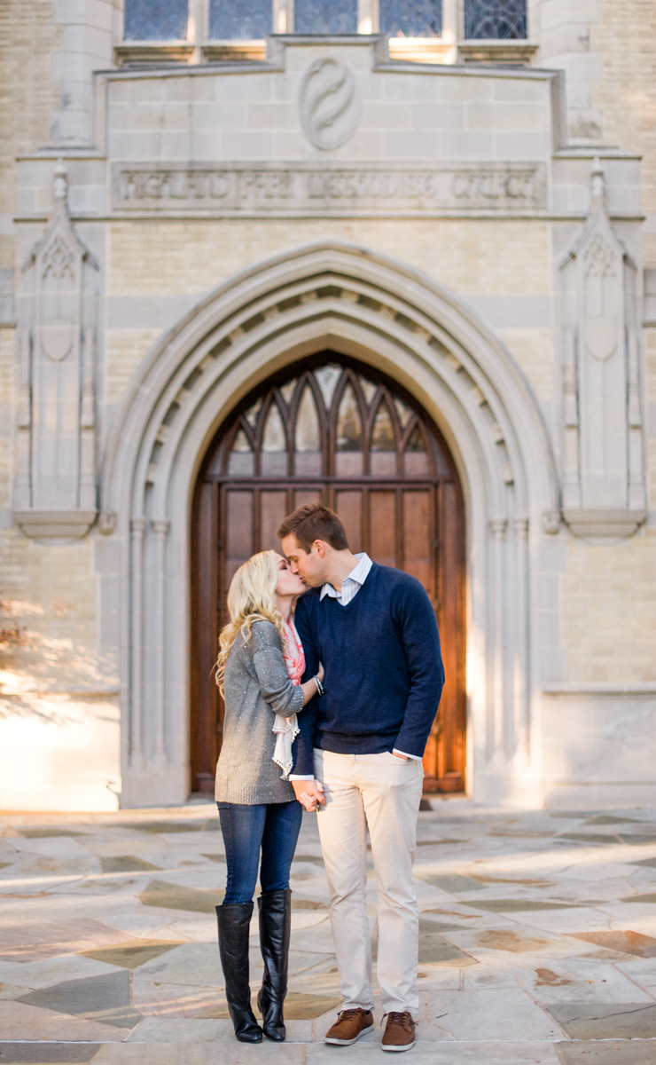 katie-greg-hpumc-highland-park-methodist-church-engagement-session-shannon-skloss-photography-9