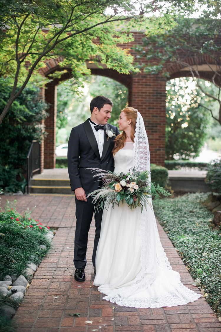 Katy Tx Wedding Photography: Room On Main, Dallas - Shannon Skloss Photography