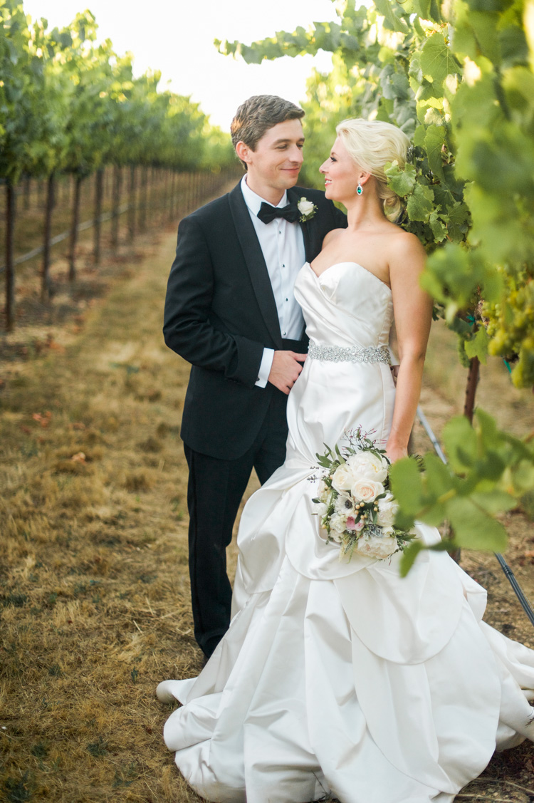 lexi-andrew-sebastopol-california-wedding-photographer-vine-hill-house-86