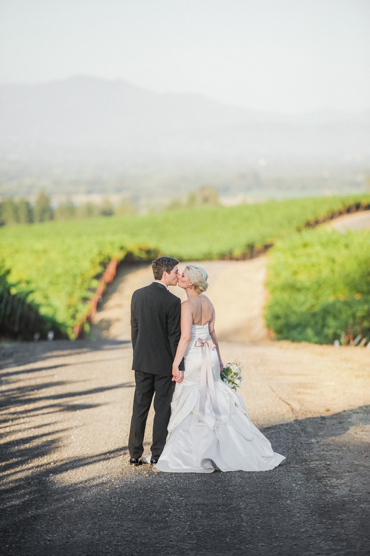 lexi-andrew-sebastopol-california-wedding-photographer-vine-hill-house-99