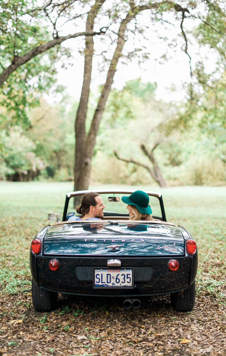 nicole-chaz-vintage-car-white-rock-lake-couples-session-dallas-shannon-skloss-photography-20