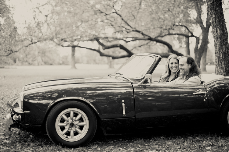 nicole-chaz-vintage-car-white-rock-lake-couples-session-dallas-shannon-skloss-photography-24