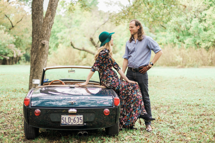 nicole-chaz-vintage-car-white-rock-lake-couples-session-dallas-shannon-skloss-photography-25