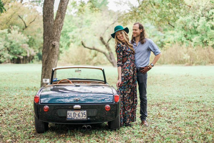 nicole-chaz-vintage-car-white-rock-lake-couples-session-dallas-shannon-skloss-photography-27