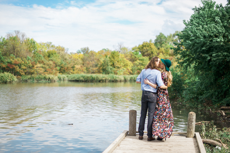 nicole-chaz-vintage-car-white-rock-lake-couples-session-dallas-shannon-skloss-photography-8
