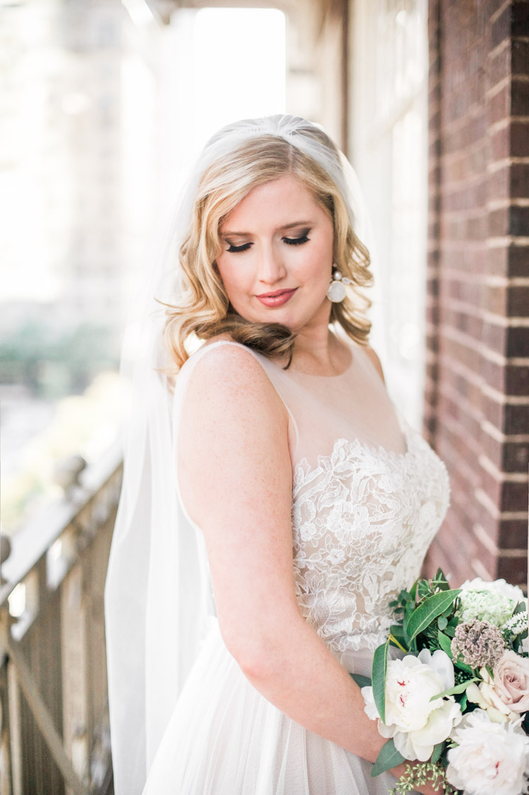 callie-allan-809-vickery-wedding-shannon-skloss-photography-grit-gold-17