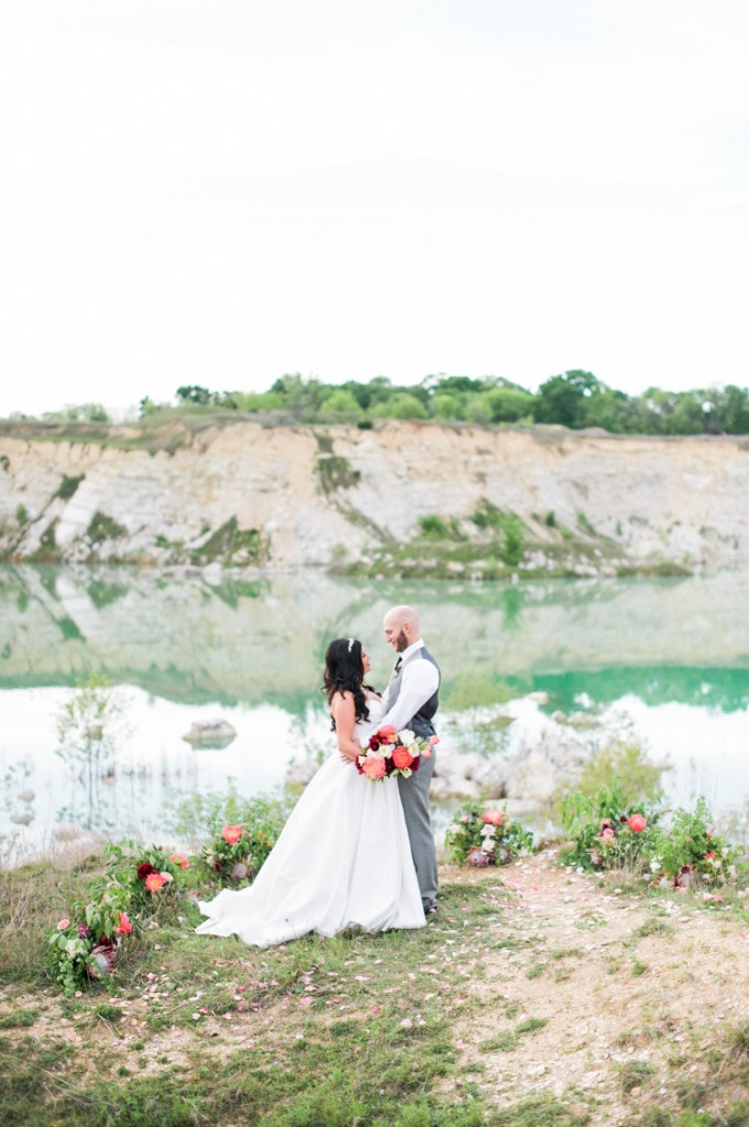lindsey mike intimate dallas quarry elopement