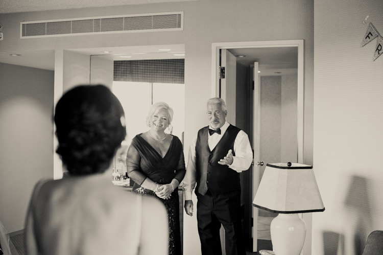 ft worth-museum-wedding-shannon-skloss-photography-17