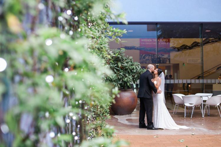 ft worth-museum-wedding-shannon-skloss-photography-29
