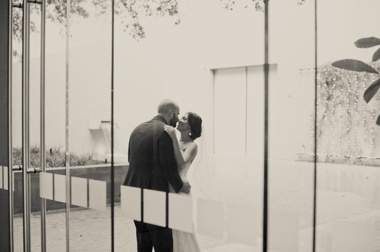 ft worth-museum-wedding-shannon-skloss-photography-51