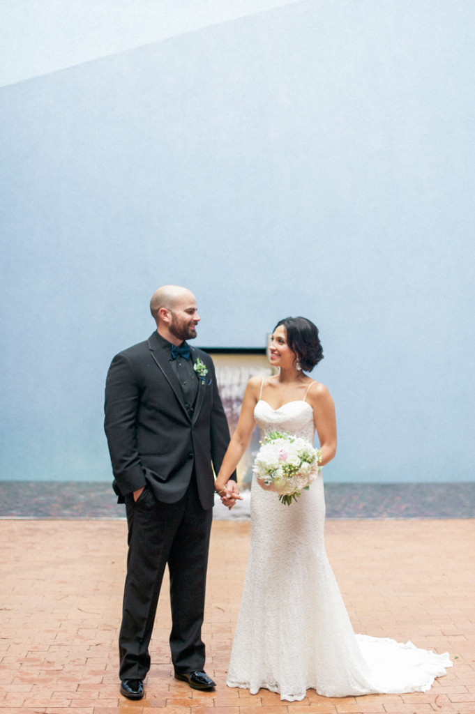 ft worth-museum-wedding-shannon-skloss-photography-55