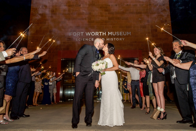 ft worth-museum-wedding-shannon-skloss-photography-66