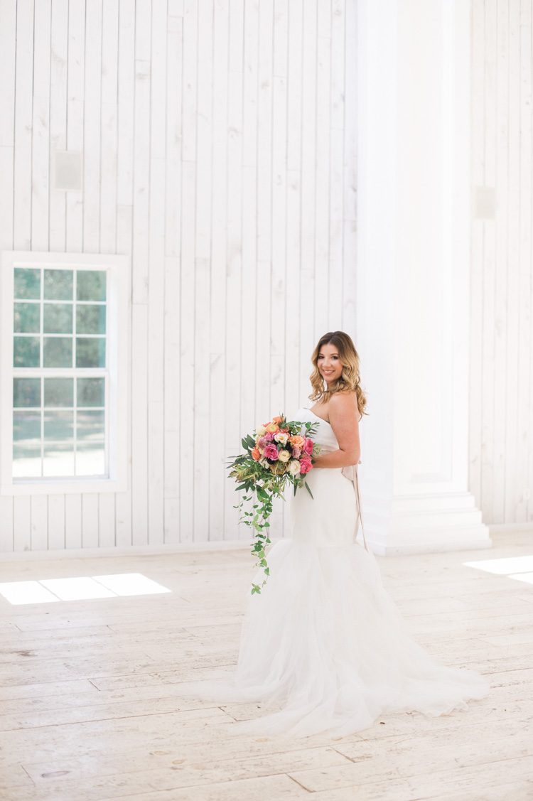 white-sparrow-barn-bridal-session-portrait-shannon-skloss-wedding-11