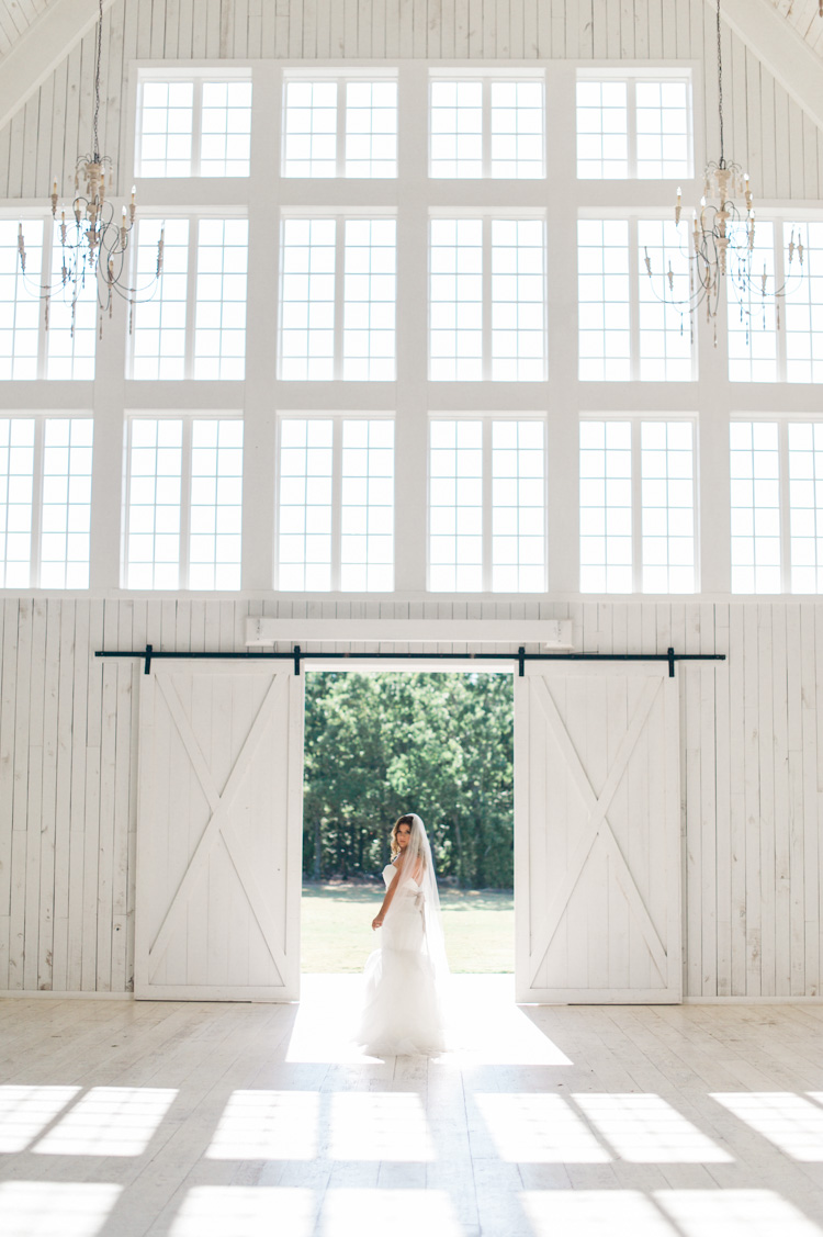white-sparrow-barn-bridal-session-portrait-shannon-skloss-wedding-12