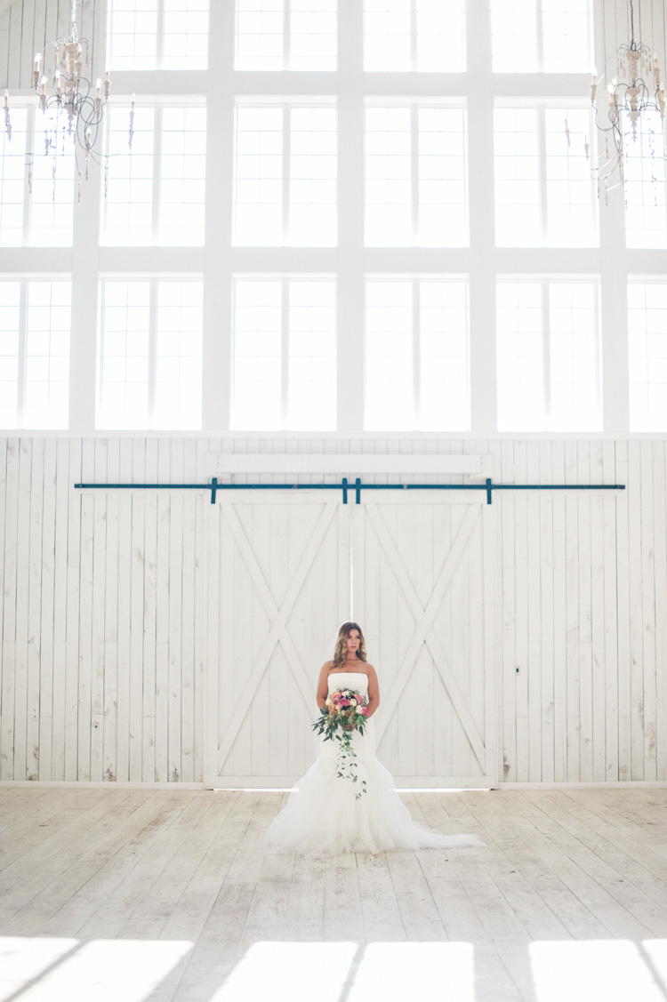 white-sparrow-barn-bridal-session-portrait-shannon-skloss-wedding-29