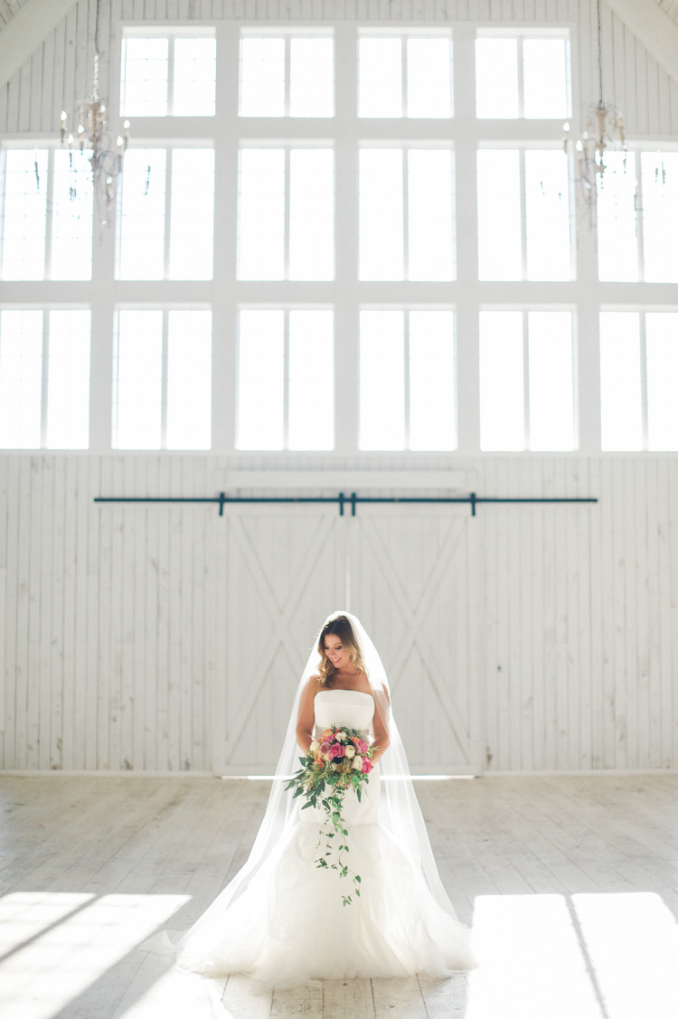 white-sparrow-barn-bridal-session-portrait-shannon-skloss-wedding-31